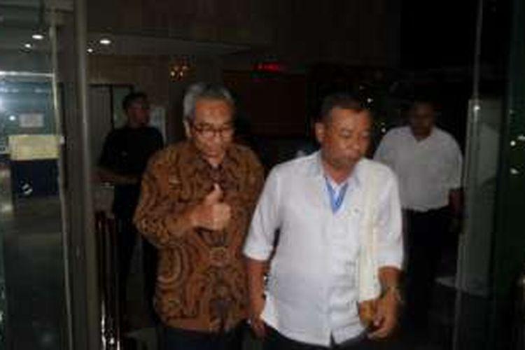 Sekjen Kementerian PUPR Taufik Widjojono seusai diperiksa di Gedung KPK, Jakarta, Rabu (1/6/2016).