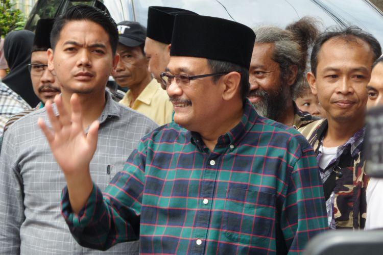 Calon wakil gubernur DKI Jakarta Djarot Saiful Hidayat saat memasuki GOR Balai Rakyat Condet, Jakarta Timur, untuk silaturahim dengan tokoh ulama Betawi Jakarta Timur, Minggu (2/4/2017).