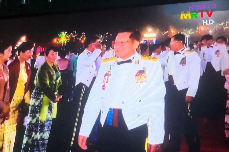 Kepala junta militer Myanmar Min Aung Hlaing mengadakan pesta makan malam mewah pada Sabtu malam hari paling mematikan sejak kudeta Sabtu (27/3/2021).
