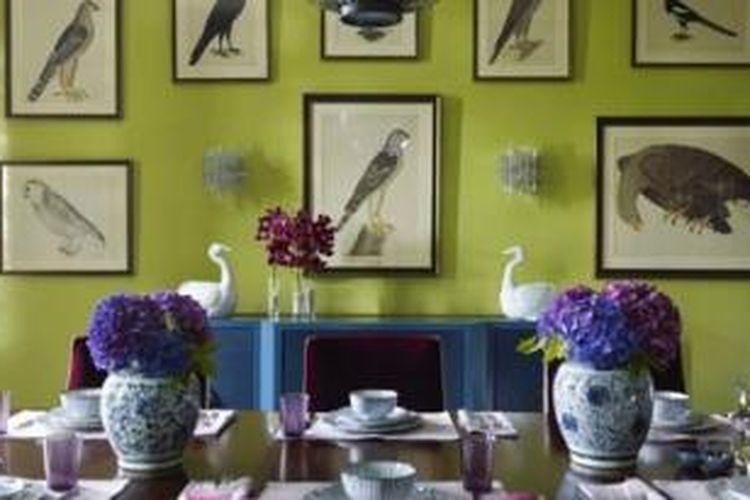 Siapa pun bisa membuat ruang makannya lebih istimewa. Hanya dengan sedikit dekorasi, Anda juga bisa mengubah tampilan ruang makan di rumah Anda menjadi lebih menarik.