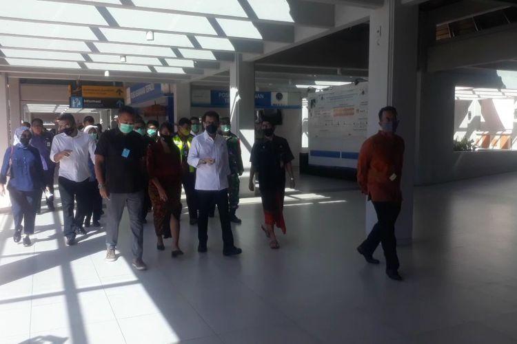 Menteri Pariwisata dan Ekonomi Kreatif Wishnutama Kusubandio tiba di Bandara I Gusti Ngurah Rai, Bali, Selasa (16/6/2020) pukul 14.43 WITA.