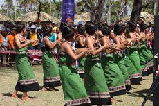 Menikmati Festival Wonderful Indonesia di Pantai Motadikin Malaka
