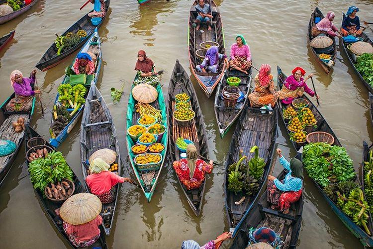 Pasar apung di Kalimantan Selatan DOK. Shutterstock/dani daniar
