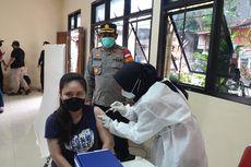 Hari Ini, 116 Warga di Atas Usia 18 Tahun Disuntik Vaksin Covid-19 di Palmerah
