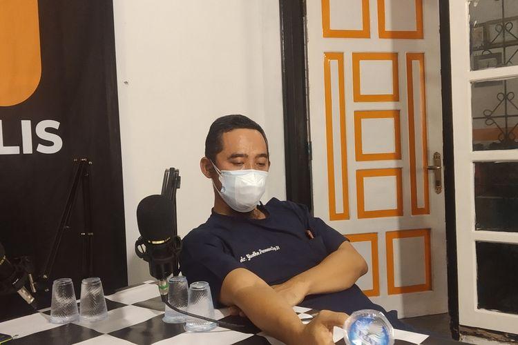 dokter Yuda Permana saat ditemui di sebuah acara diskusi di Lombok Tengah