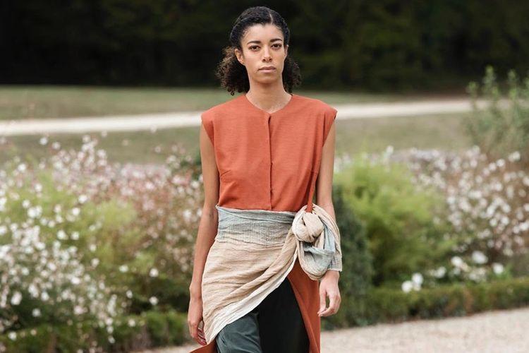 Koleksi PATEH dari AKSU yang tampil secara virtual di Paris Fashion Week 2020.