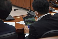 Anggota DPR Jepang Sibuk Menonton Buaya Saat Sidang Kabinet