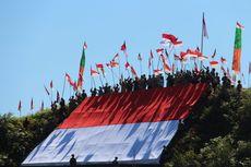 Masyarakat Adat Dayak Lundayeh Bentangkan Merah Putih di Ketinggian 1.103 Meter, Ini Tujuannya