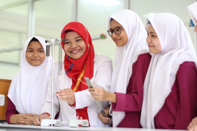 Ilustrasi pembelajaran yang dilakukan di Teuku Nyak Arif Fatih Bilingual School Banda Aceh sebelum pandemi.