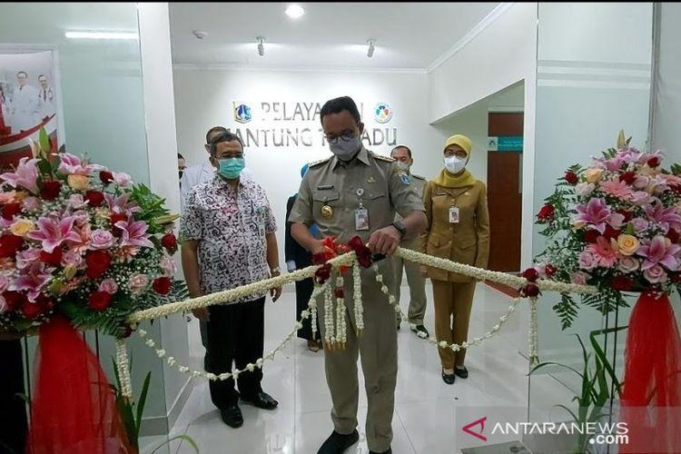 Gubernur DKI Jakarta Anies Baswedan meresmikan pelayanan jantung terpadu di Rumah Sakit Umum Daerah (RSUD) Tarakan, Cideng, Gambir, Jakarta Pusat, Selasa (28/9/2021).