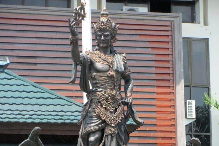 Patung Raja Udayana