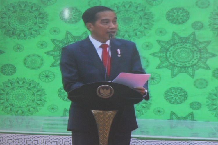 Presiden Joko Widodo saat berpidato dalam Stadium General dan Peresmian Gedung Bundar Al Assyari dan Gedung Pusat Umar bin Khattab Universitas Islam Malang (Unisma), Kamis (29/3/2018).