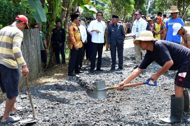 Kementerian Desa, Pembangunan Daerah Tertinggal, dan Transmigrasi (PDDT) mencatat, total dana desa yang telah dialokasikan selama 4 tahun terakhir senilai Rp257 triliun untuk sekitar 74.900 desa di seluruh Indonesia.