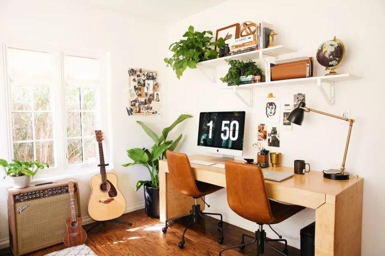 Ruang kerja dengan dekorasi tumbuhan dalam pot, karya New Darlings