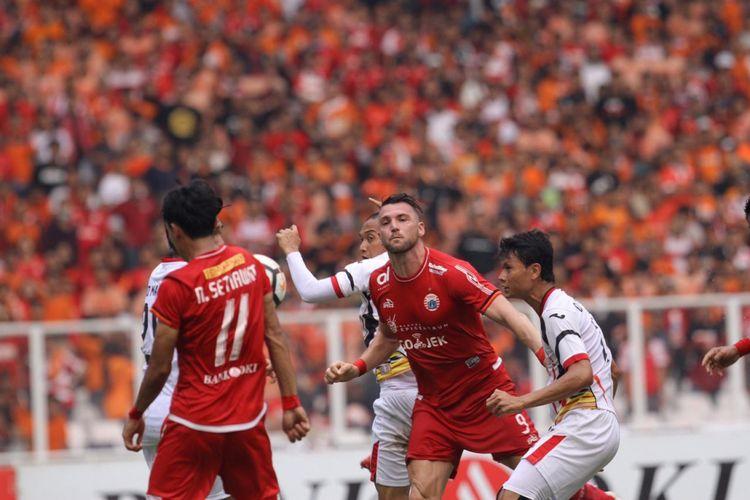 Marko Simic merayakan golnya pada pertandingan Persija Jakarta vs Mitra Kukar dalam laga pamungkas Liga 1 di Stadion Utama Gelora Bung Karno, 9 Desember 2018. Persija pastikan gelar juara setelah mengalahkan lawannya.
