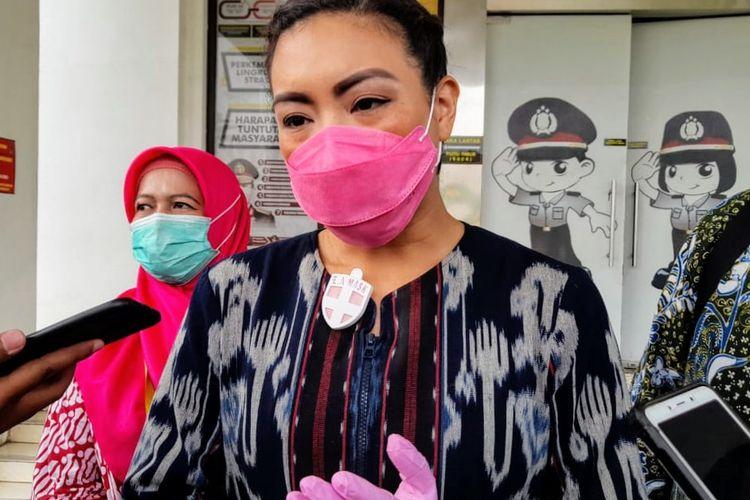 Calon Wakil Wali Kota Tangerang Selatan Rahayu Saraswati Djojohadikusumo saat diwawancarai di Mapolres Tangerang Selatan, Selasa (17/11/2020)