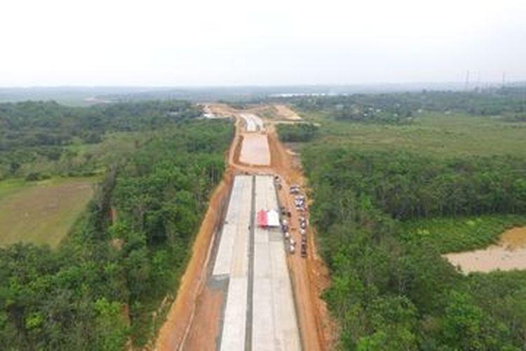 Pengerjaan Jalan Tol Balikpapan- Samarinda, Oktober 2019.