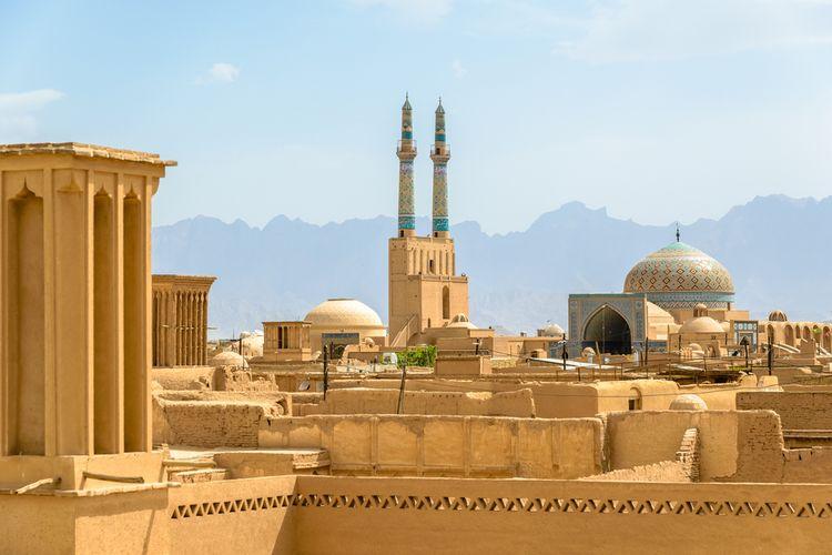 Kota Yazd di Iran dinobatkan sebagai salah satu kota tertua di dunia yang masih beraktivitas sampai saat ini.