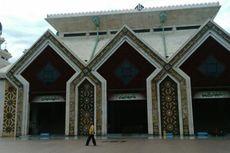Hingga Saat Ini Masjid Agung At-Tin Belum Buka Kegiatan Peribadatan