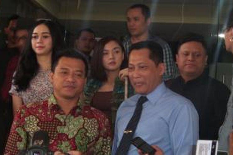 Politikus sekaligus penyanyi Anang Hermansyah (kiri) beserta sejumlah pelaku industri hiburan bertemu Kepala Bareskrim Polri Komjen Budi Waseso di Mabes Polri, Rabu (27/5/2015). Mereka melaporkan adanya tindak pidana pelanggaran hak cipta yang merugikan mereka.