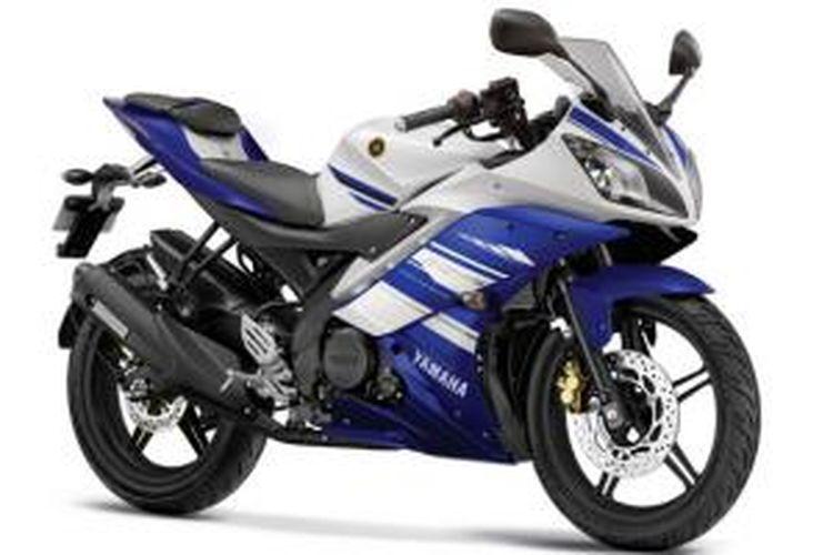 Yamaha R15 hadir dengan kombinasi warna biru-putih.
