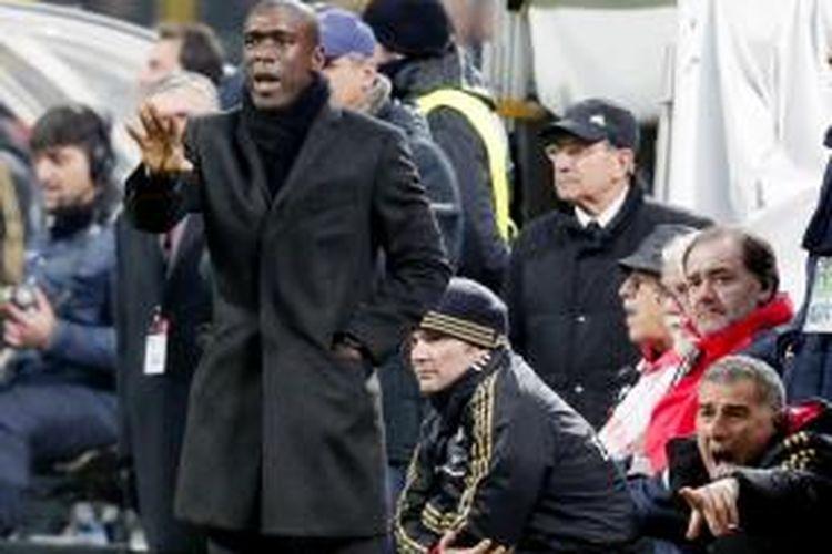 Pelatih AC Milan, Clarence Seedorf.