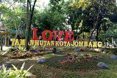 Keceriaan Warga Tangsel Punya Taman Hutan Kota Jombang