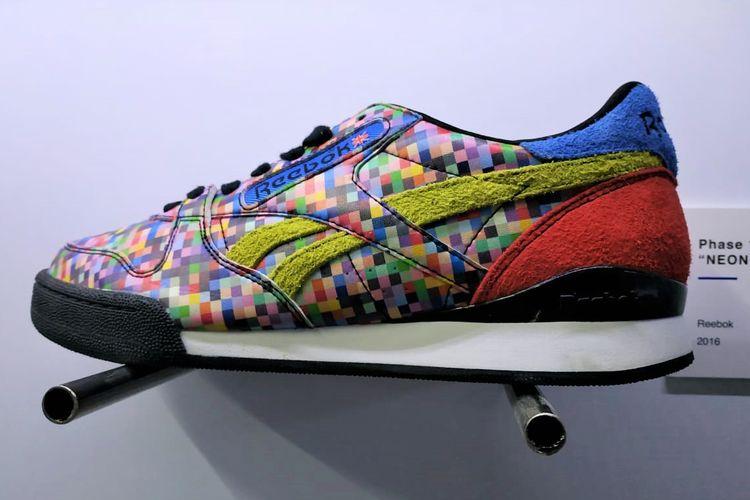 Sepatu Reebok desain Atmos