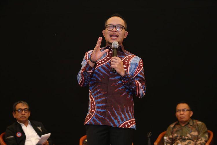 Menteri Ketenagakerjaan M Hanif Dakhiri saat Dialog Sosial Serikat Pekerja/Serikat Buruh di Bekasi, Jumat (29/3/2019).