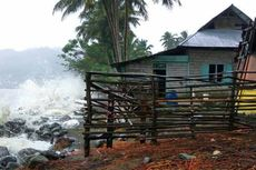 Gelombang Tinggi di Pantai Selatan Gunungkidul, Air Laut Masuk ke Warung