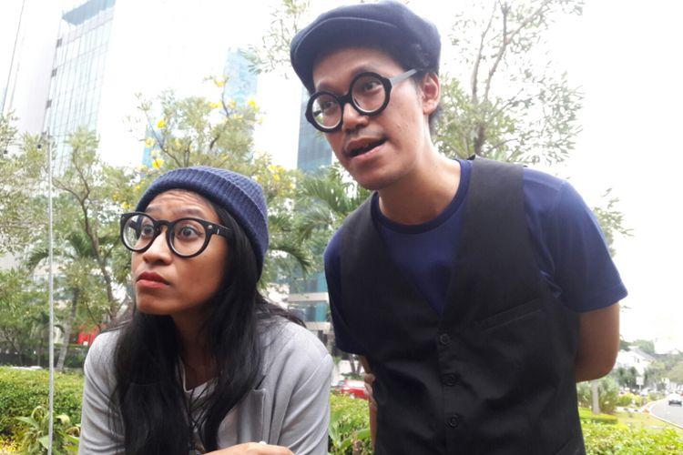 Endah N Rhesa ditemui oleh para wartawan di Beer Garden, SCBD Senayan, Jakarta Selatan, Rabu (20/9/2017).