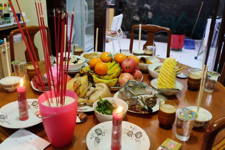 Prosesi sembahyang leluhur dalam kepercayaan orang Tionghoa.