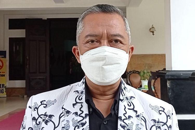 Ketua PGRI Kabupaten Magetan Sundarto, raperda perlindungan guru no PNS yang digodog DPRD Magetan diharapkan akan mampu meningkatkan penghidupan guru honorer di Magetan. Raperda juga diharapkan mampu mengantisipasi tsunami pensiun guru tahun 2024.