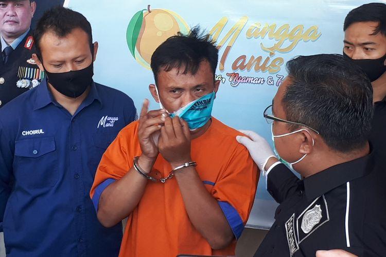 Buyan ditangkap polisi setelah buron empat tahun.