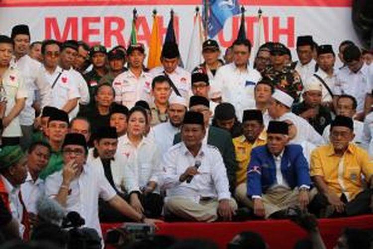 Koalisi di luar pemerintahan ketika masih berisi Gerindra, PKS, PPP, Golkar, PBB, PAN, dan Demokrat.