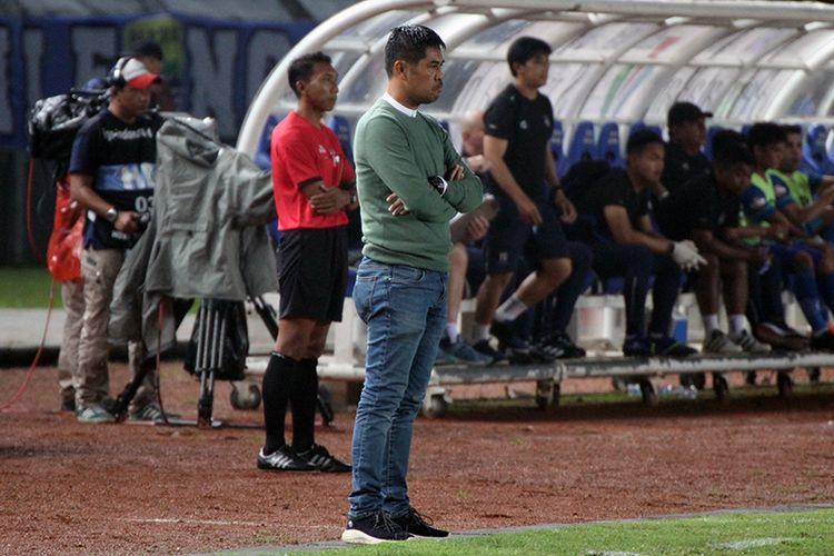 Pelatih Persela Lamongan, Nil Maizar.