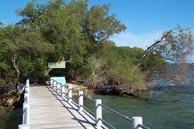 Kepulauan Handeuleum di Taman Nasional Ujung Kulon, Banten.