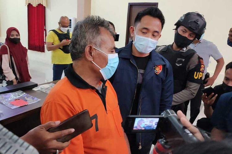 jumpa pers Polresta Mataram terkait pencabulan anak oleh kakek berinisial MTA (58) Warga Karang Kelayu, Kelurahan Punia, Kota Mataram
