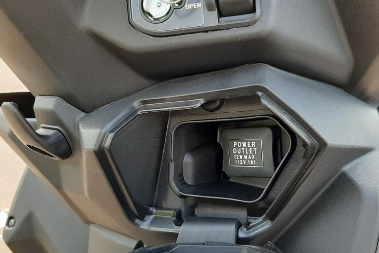 Soket Charger Honda BeAT 2020