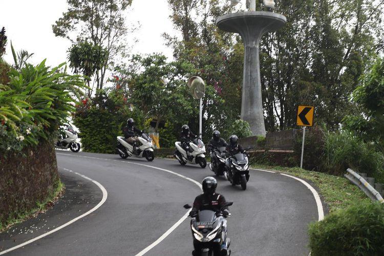 Touring Honda PCX di Bali