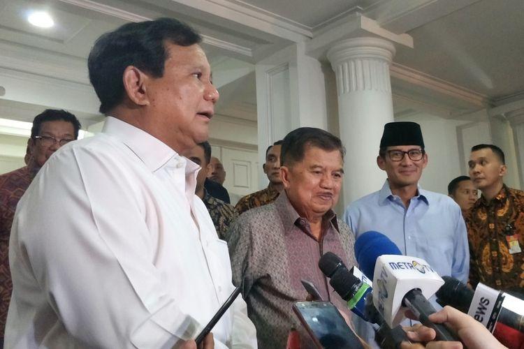Bakal calon presiden sekaligus Ketua Umum Partai Gerindra Prabowo Subianto dan bakal calon wakil presiden Sandiaga Uno bertemu dengan Wakil Presiden Jusuf Kalla di rumah dinas wakil presiden, Jalan Diponegoro, Jakarta Pusat, Rabu (15/8/2018) malam.