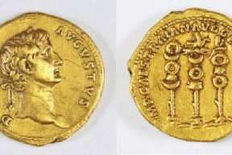 Sisi depan dan belakang dari koin emas berusia 1.900 tahun.