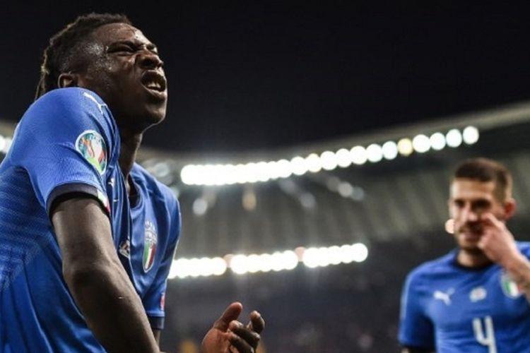 Moise Kean merayakan golnya pada pertandingan Italia vs Nowergia di Stadion Friuli dalam babak kualifikasi Piala Eropa 2020, 23 Maret 2019.