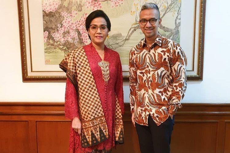 Sri Mulyani memakai kain batik Tirto Tejo dan kebaya merah ala Kartini saat perayaan Hari Kemerdekaan Indonesia di Istana Negara