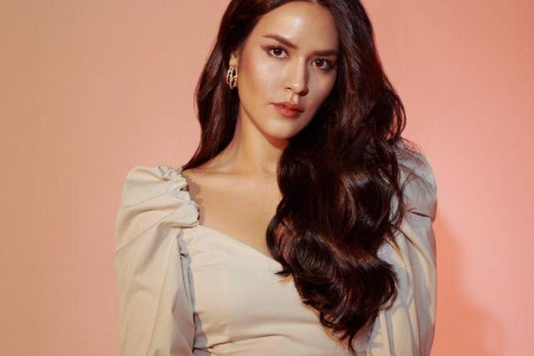 Lagu kolaborasi Raisa Andriani bersama tiga penyanyi dari Filipina, Thailand, dan Malaysia akhirnya resmi dirilis. Lagu bertajuk Trust Again ini merupakan salah satu soundtrack dari film Raya and the Last Dragon.