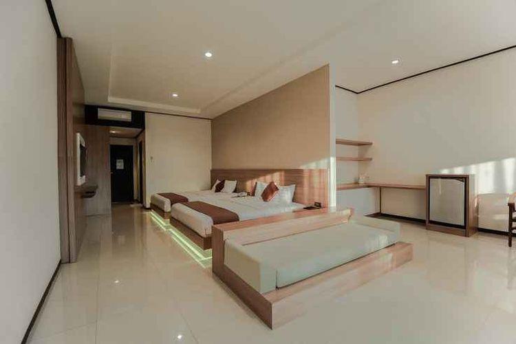 Ilustrasi hotel - Kamar tipe Suite di Surya Kencana Seaside Hotel, Pangandaran.