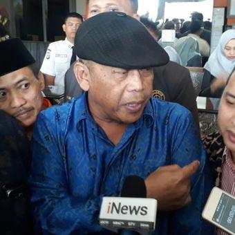 Kuasa hukum koalisi masyarakat anti hoaks, Eggi Sudjana, di kantor Bawaslu, Jakarta, Selasa (19/2/2019).