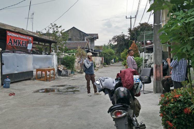 Situasi kediaman John Kei di perumahan Tytyan Indah Utama, Kota Bekasi, Senin (22/6/2020).