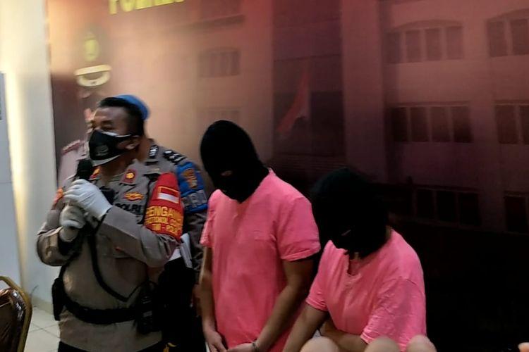 2 tersangka mucikari prostitusi online libatkam 2 artis di Polres Metro Jakarta Utara, Jumat (27/11/2020).