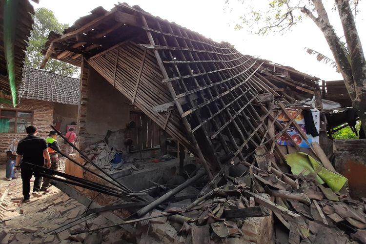 Sejumlah rumah di Kecamatan Mandalawangi, Kabupaten Pandeglang rusak akibat gempa bumi yang terjadi Jumat (2/8/2019)